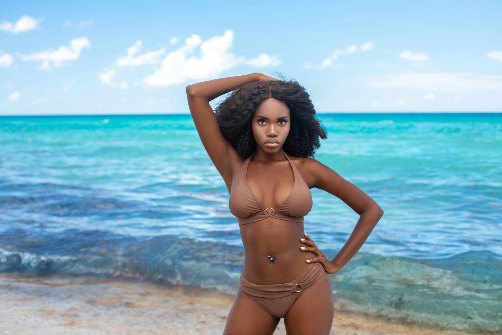 Tropical Beach Elegant Black Curly Queen